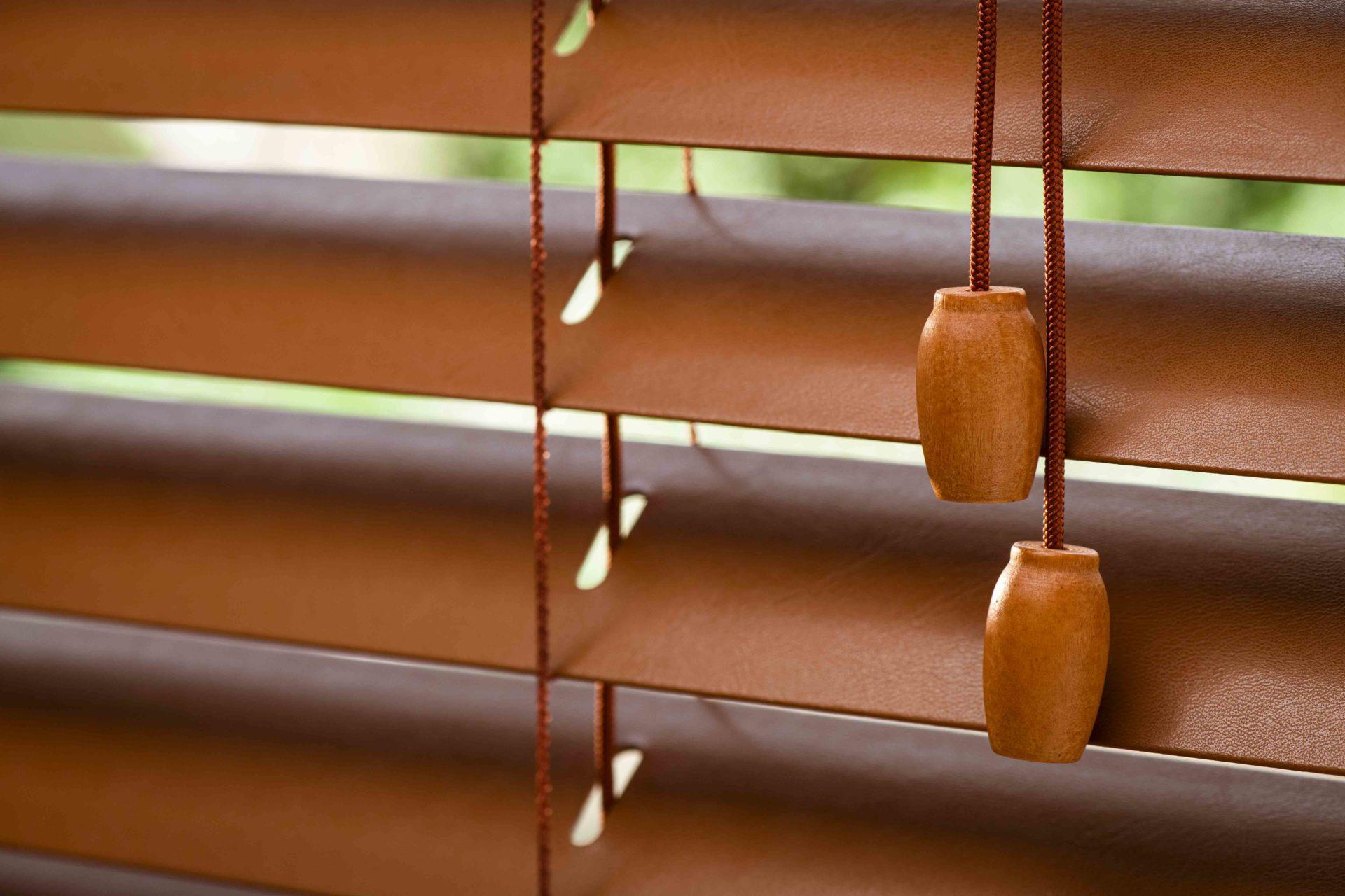 Stores Venitiens La Redoute une nouvelle gamme de stores vénitiens cuir et bois pour la
