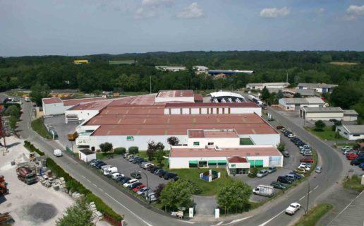 Site de production et siège social de la Société HP FERMETURES – St-Martin-de-Seignanx/40